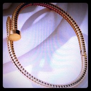 Jewelry - New in!! Gold toned nail bangle